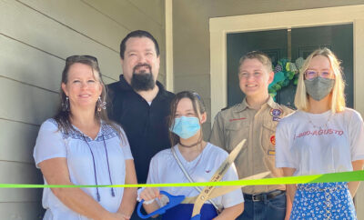 Veteran Ribbon Cutting Habitat for Humanity Linn family