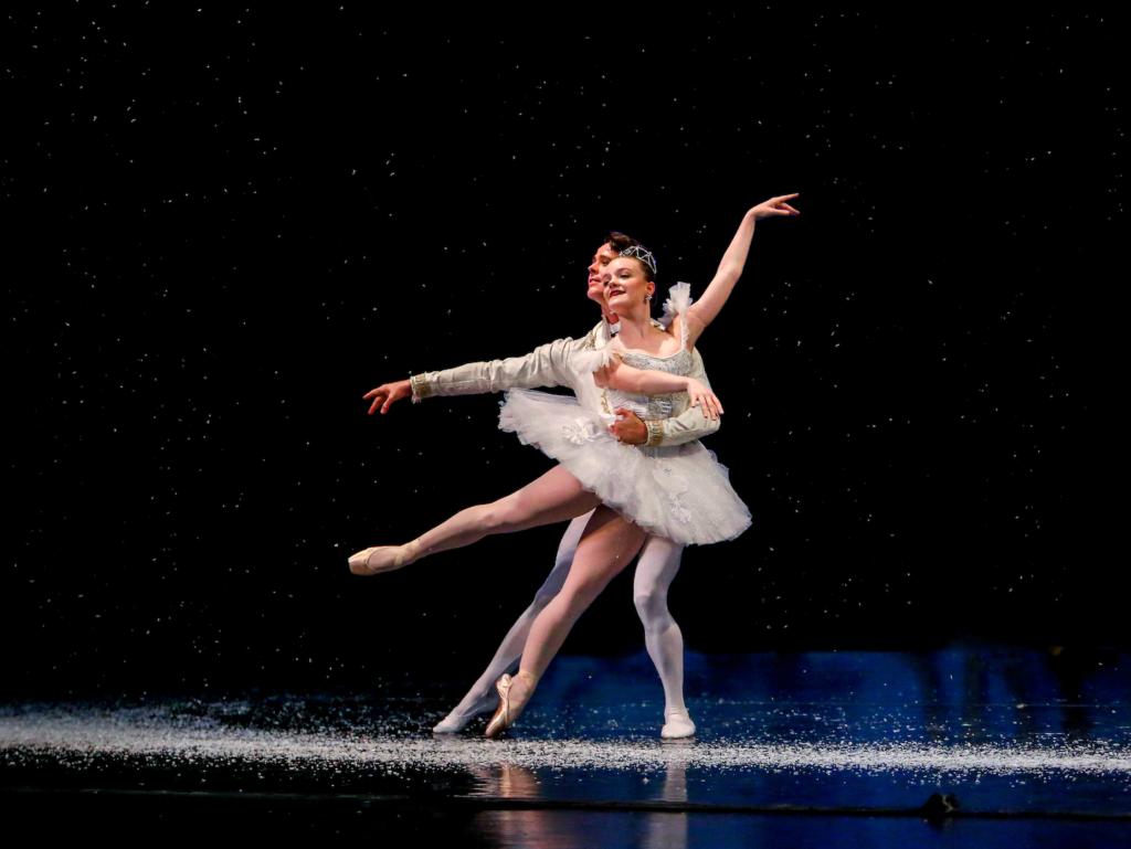 Vitacca Dance Snow Queen King nutcracker